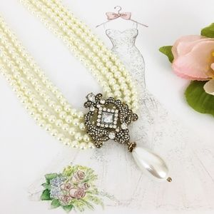 Jewelry - Vintage Inspired Pearl Statement Necklace